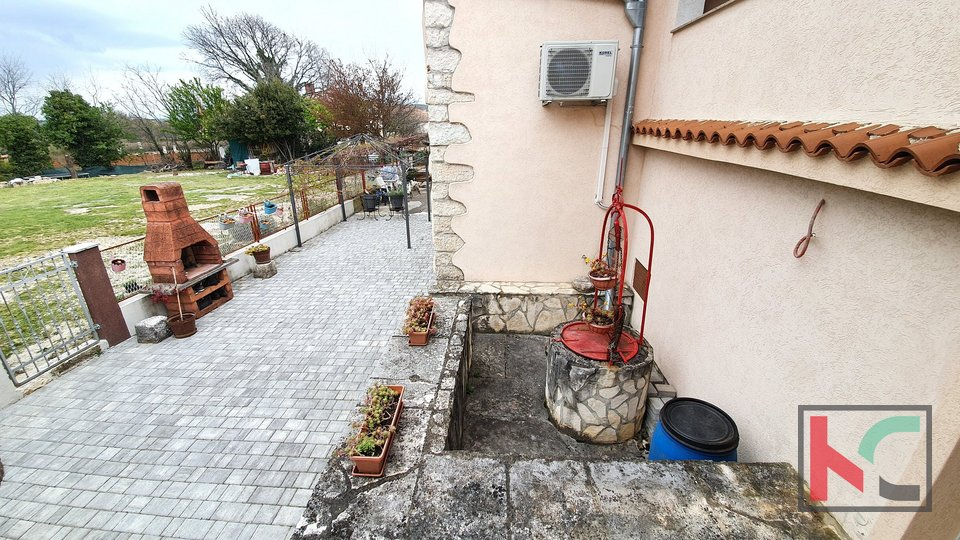 Istria, Bale house 196m2 two residential units garden 115m2