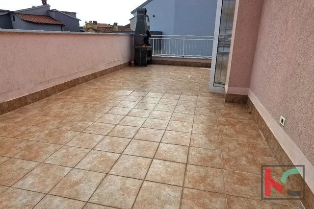 Pula, Veruda porat comfortable apartment 95.80 m2 with 2 bedrooms in a new building - quiet location