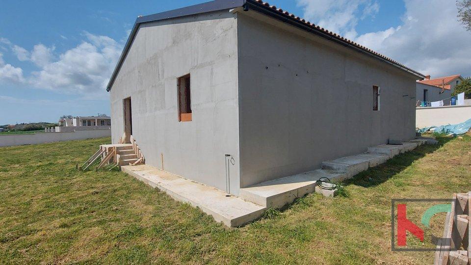 Pula, Šikići, Monte Turco unfinished house 132m2 garden 538