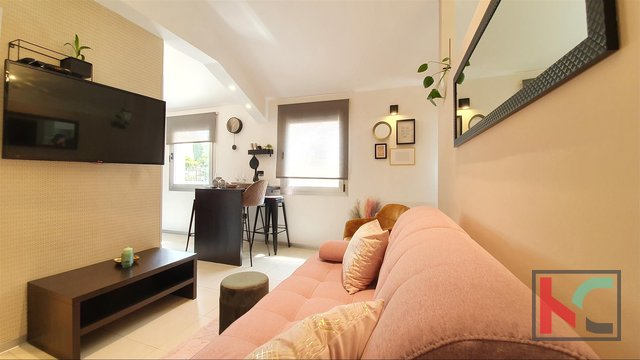 Pula, appartamento modernamente arredato in un nuovo edificio - centro, via Kandler