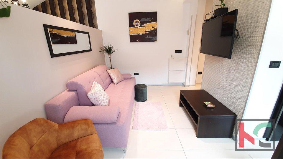 Pula, moderno opremljeno stanovanje v novogradnji - center, Kandlerova ulica