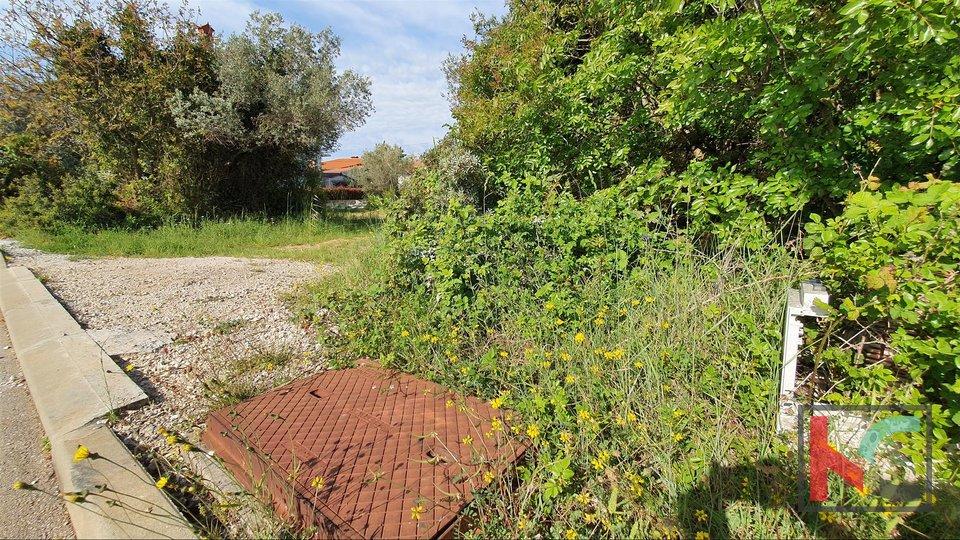 Istra - Fažana, atraktivno građevinsko zemljište 725m2 II top lokacija