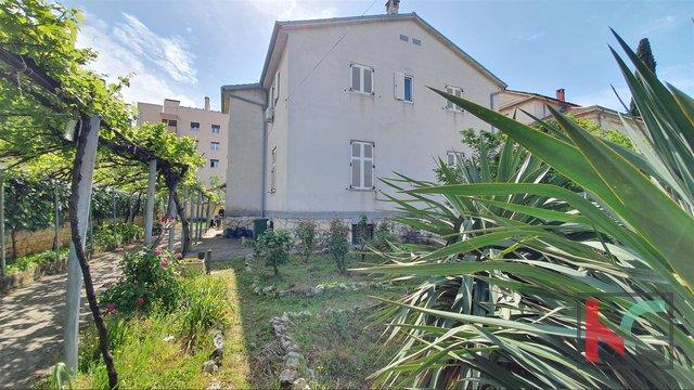 Istria - Pula, bella casa a Veruda II ampio giardino 729m2