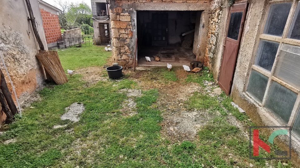 Istria, Marcana, land 394m2 with two buildings