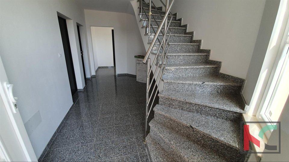 Istra - Fažana - Valbandon, apartman u novogradnji 52.80m2 blizina plaža