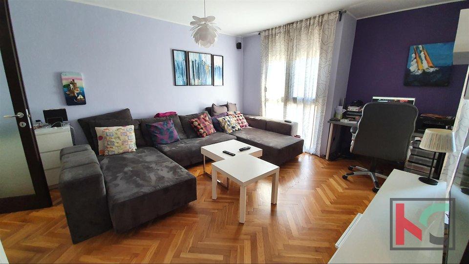 Istra - Pula, sunčani stan 75m2 sa 2 spavaće i 2 balkona II odlična lokacija