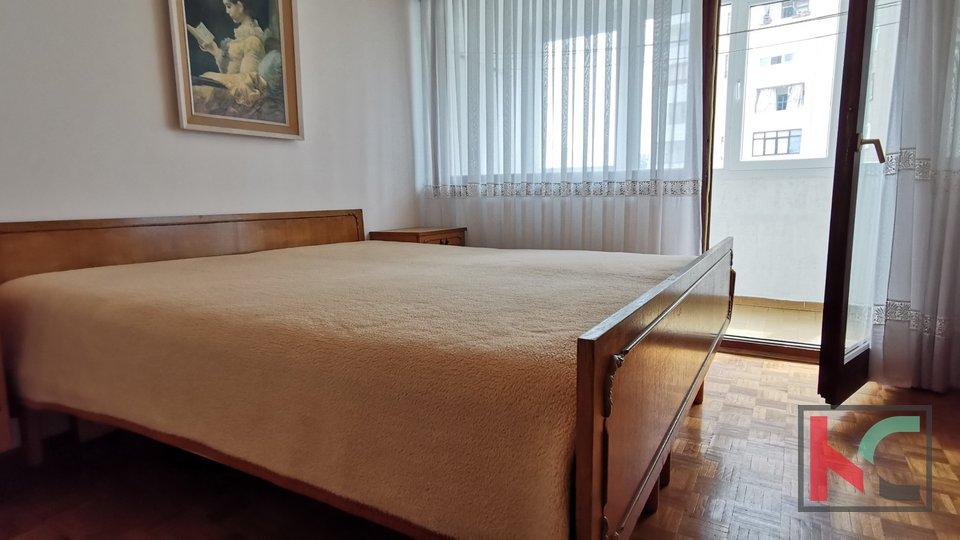 Pula,Veruda stan 71,19m2 sa 3 balkona, kompletno namješten