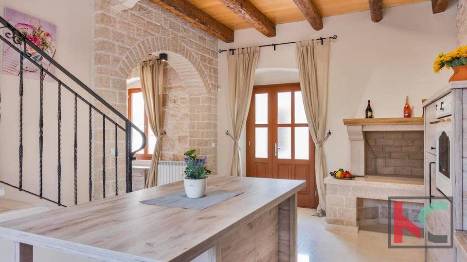 Istrien, Marcana, luxuriös eingerichtetes altes Haus 141m2 mit Pool und Olivenhain