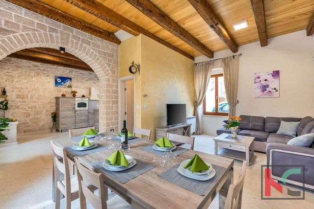 Istria, Marcana, luxuriously decorated old house 141m2 with pool and olive grove