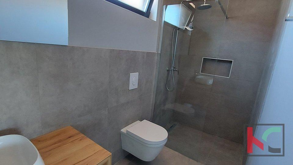 Istra, Ližnjan nova kuća 150m2  s bazenom