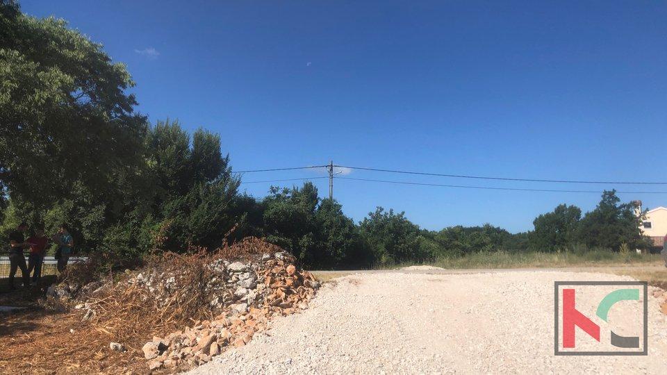 Istria, Svetvincenat - building land 605m2