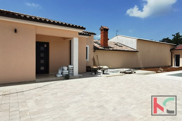 Istria, Svetvincenat, newly built modern holiday house 133m2 with pool