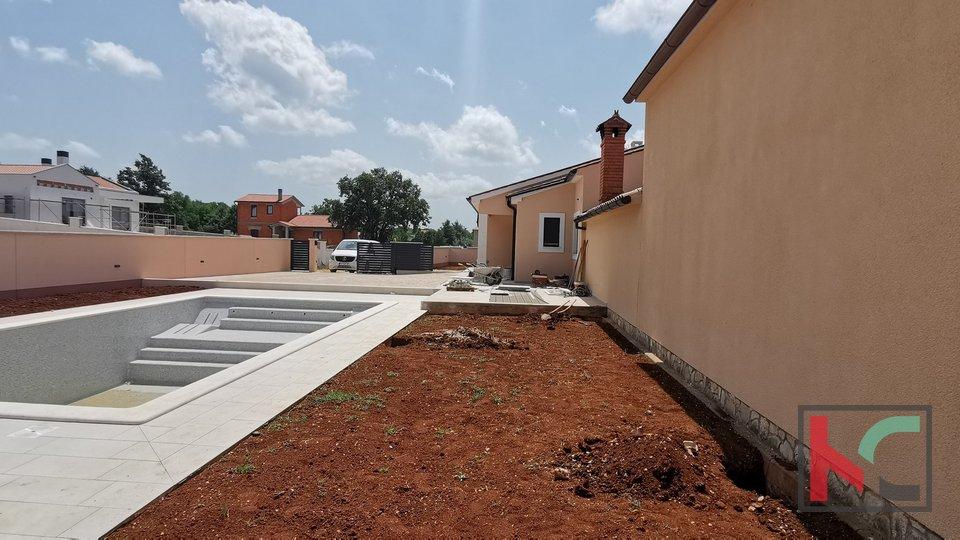 Istra, Svetvinčenat, novoizgrađena moderna kuća za odmor 133m2 sa bazenom
