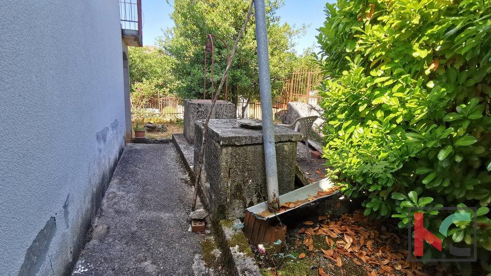 Istra, Svetvinčenat kuća 178m2 sa prekrasnom okućnicom 927m2