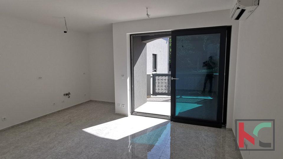 Istra, Pula, Pješčana Uvala, stanovanje v novogradnji 115,64 m2 s pogledom na morje