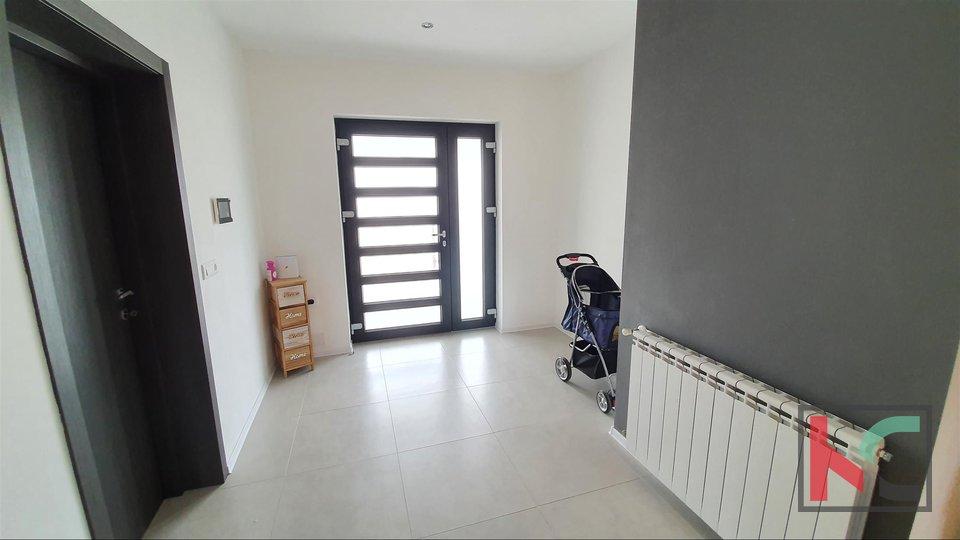 Istra - Vodnjan, moderna samostojeća kuća 170m2 u novogradnji