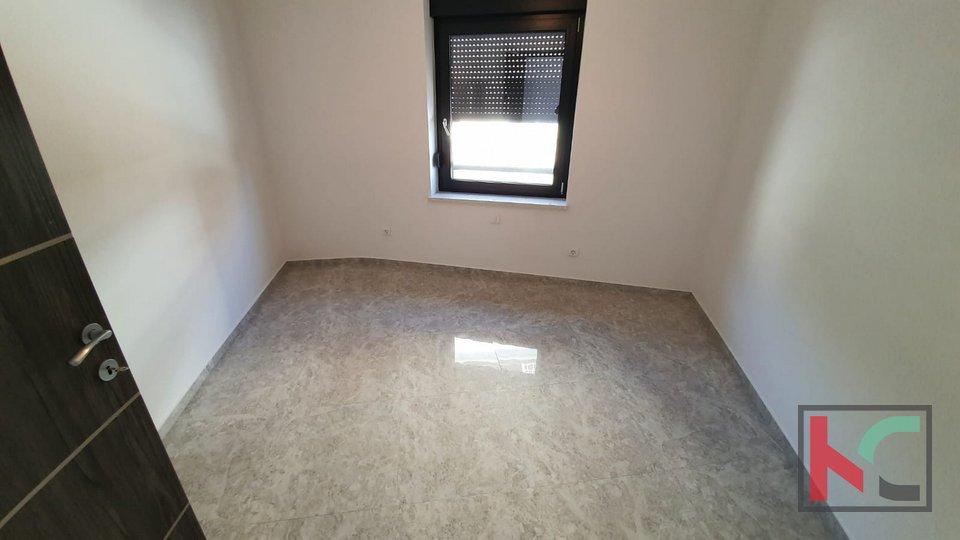 Istra, Pula, Pješčana Uvala, prostrani stan u novogradnji141,94m2
