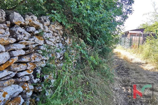 Istra, Ližnjan, Sisan kmetijsko zemljišče 648m2