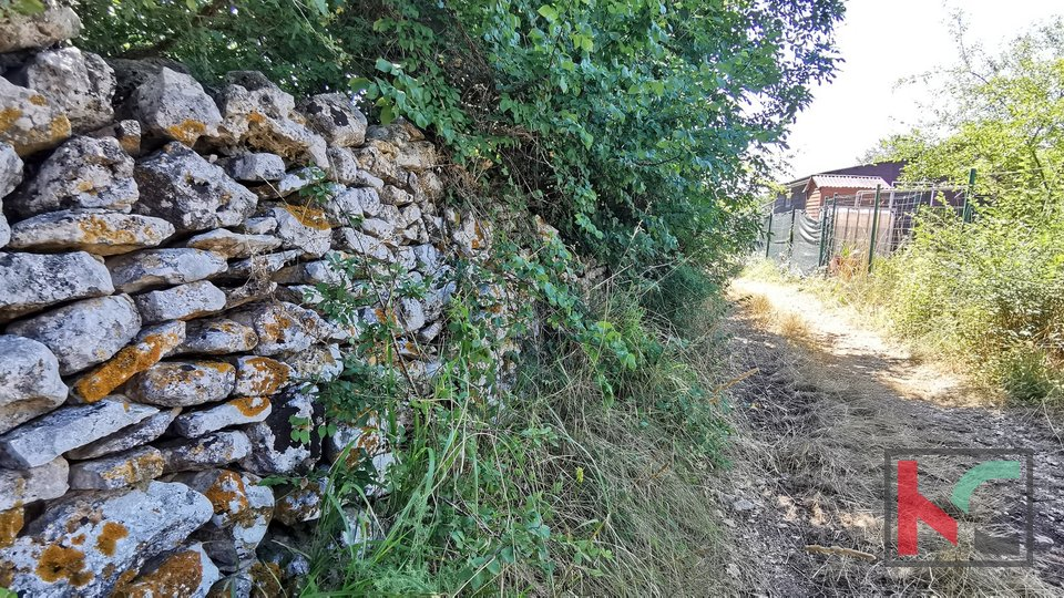 Istra, Ližnjan, Šišan poljoprivredno zemljište 648m2