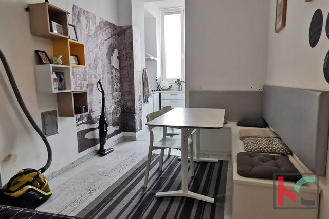 Istra, Pula, renovirani četverosoban stan 73,53m2 u funkciji mini hostela