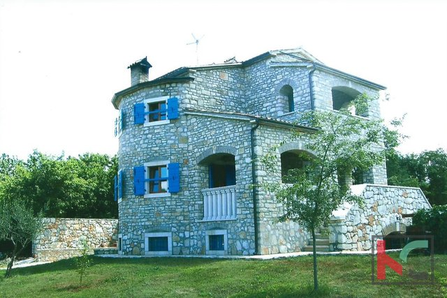 House, 220 m2, For Sale, Poreč