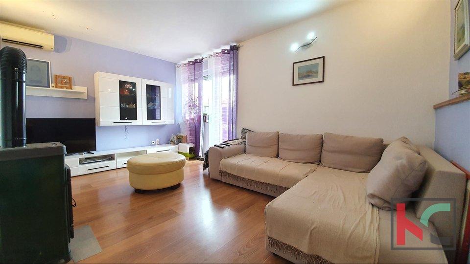 Pula, Kaštanjer, renovierte komfortable Wohnung in Kaštanjer