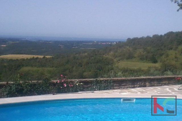 Villa 250m2 okolica Buja sa 1500m2 okućnice