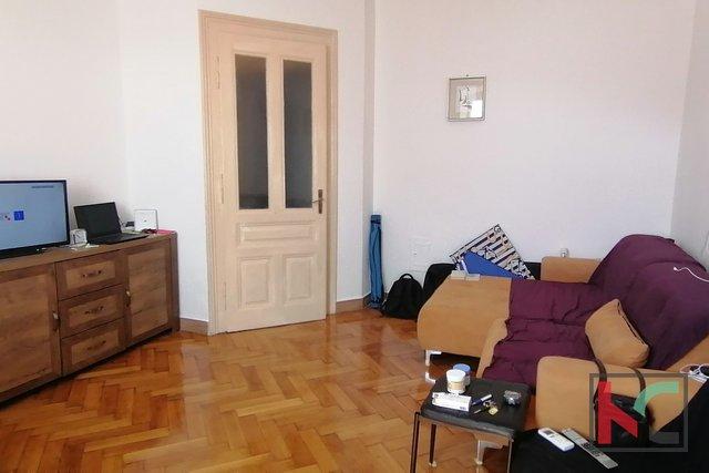 Pula, center mesta, stanovanje 83m2
