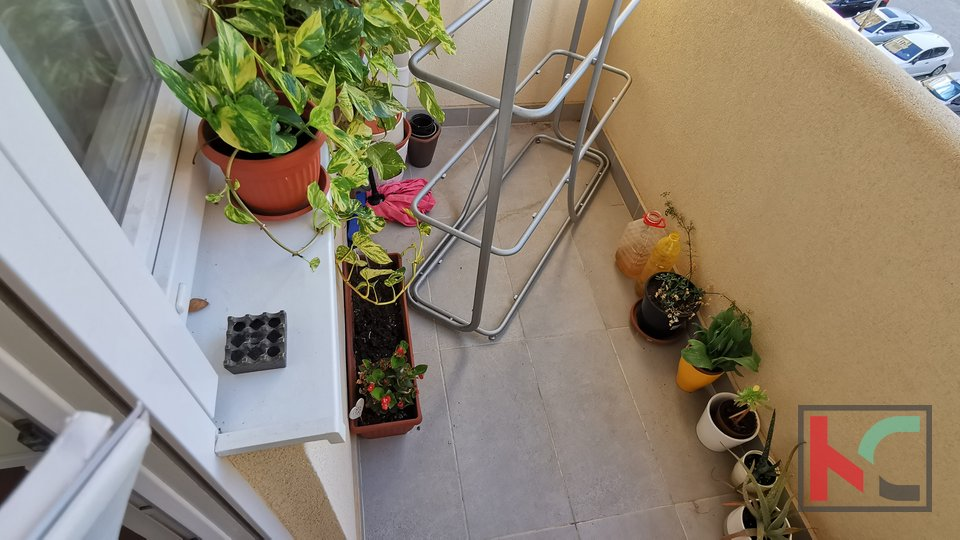 Pula, Veruda, three bedroom apartment with two balconies on the 3rd floor and elevator