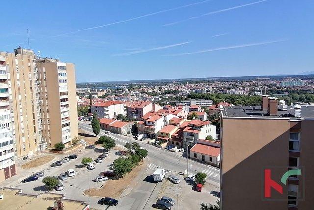 Pula, Vidikovac, dvosoban stan na 11. katu sa prekrasnim pogledom