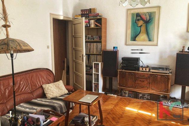 Pula, Šijana - four bedroom apartment near the waterfront