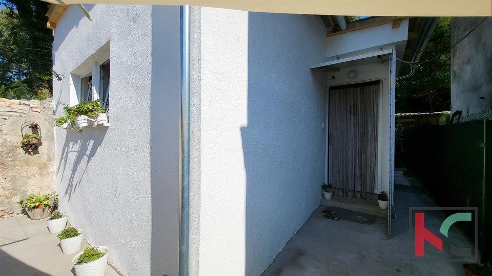 Pula, Veruda, Samostojeća kućica 50m2 na 150m2 okućnice