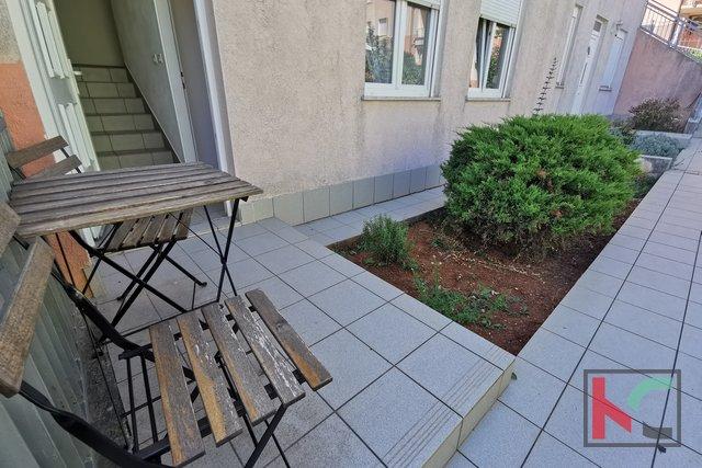 Pula, Veruda Porat komforan stan 85,92m2 sa 2 spavaće sobe u novogradnji - VRT