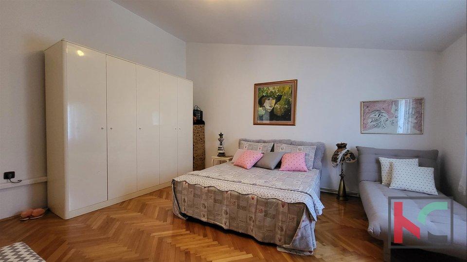 Pula, minimalistički uređena kuća na mirnoj lokaciji u centru grada