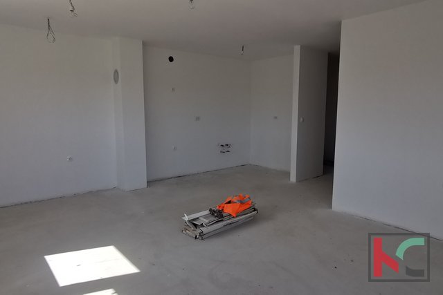 Pula, Centro, appartamento con quattro camere da letto 89 m2 in un nuovo edificio di lusso