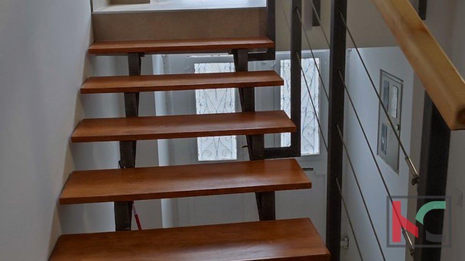 Pula, renovirani stan 54,31m2 sa dvije spavaće sobe i balkonom