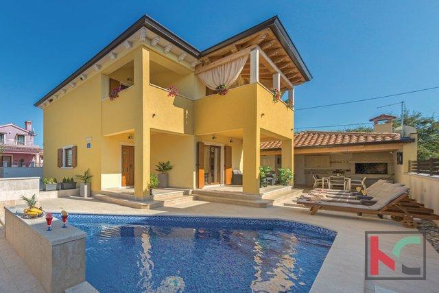Istria - Barbariga, attractive house with pool near the sea