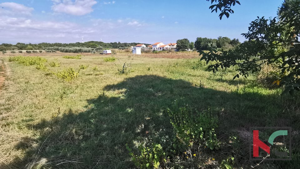 Loborika, građevinsko zemljište 500m2 idealno za obiteljsku kuću