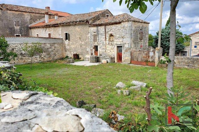 Istra - Barban, autohtona stara Istarska kamena kuća sa okućnicom