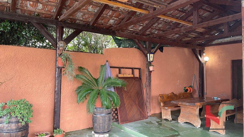 Pula, Veruda- family house 500m far from the sea