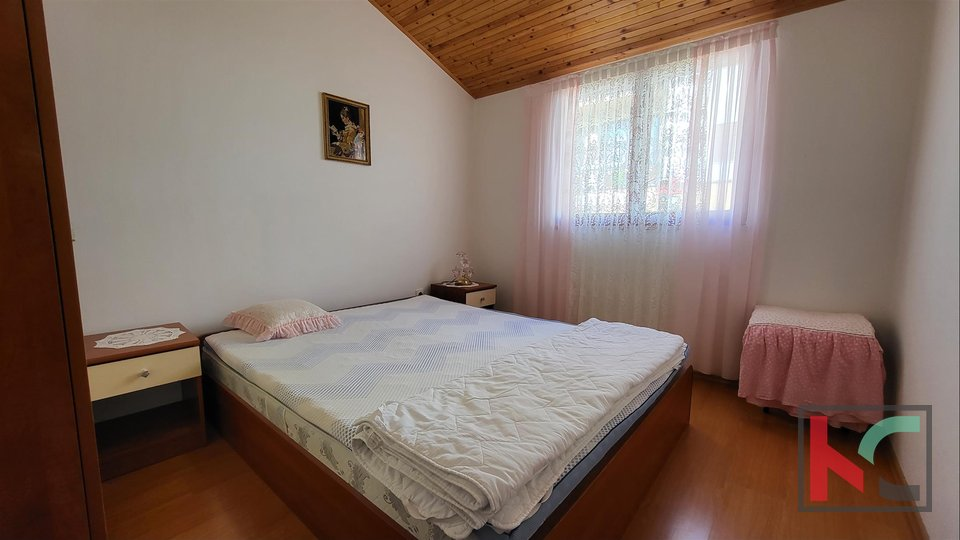 Pula, Veruda Porat house with large duplex apartment and three apartments