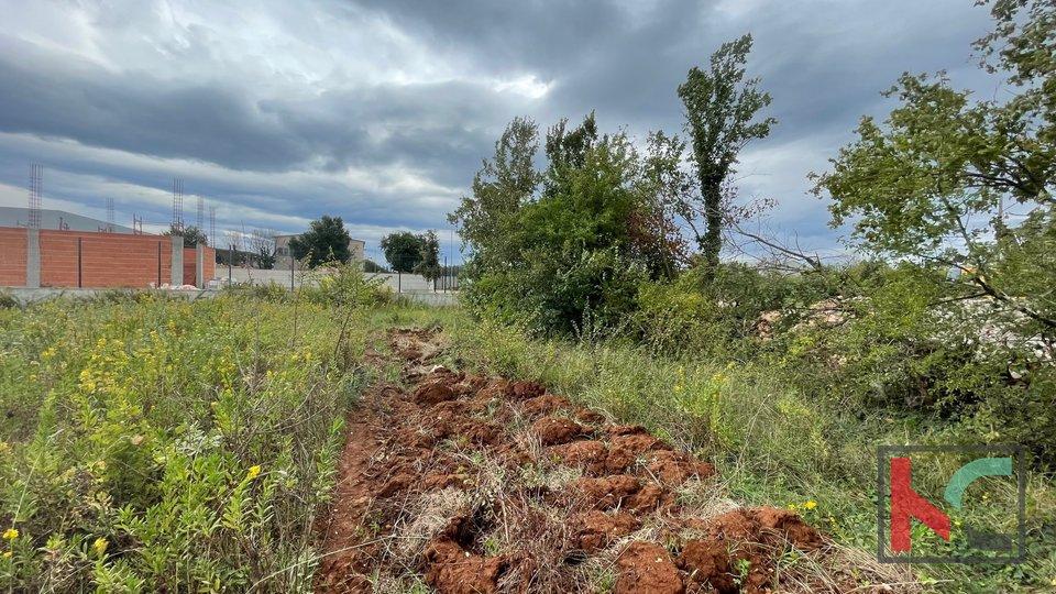 Pula, građevinsko zemljište  3200m2