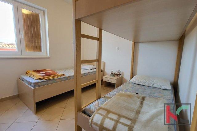 Istra, Premantura - Volme, stanovanje 61,30 m2 z bazenom