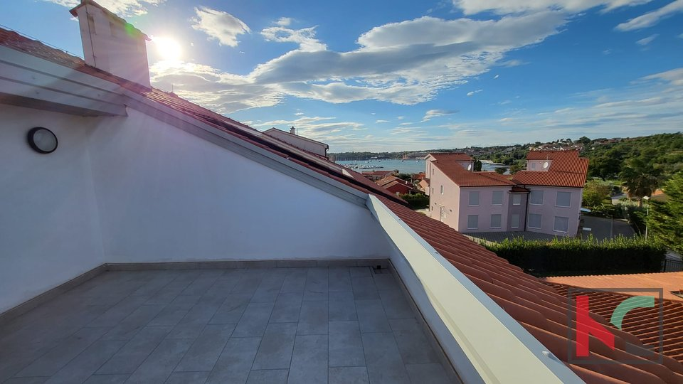 Istria, Premantura - Volme, four bedroom apartment 115.45 m2 with pool