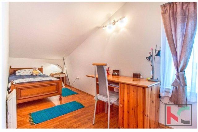 Pula, mestno jedro, prenovljeno 2 sobno stanovanje