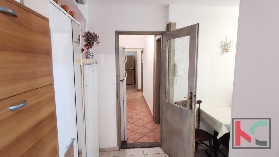 Pula,centar stan u prizemlju 69,19m2 sa prostranom terasom