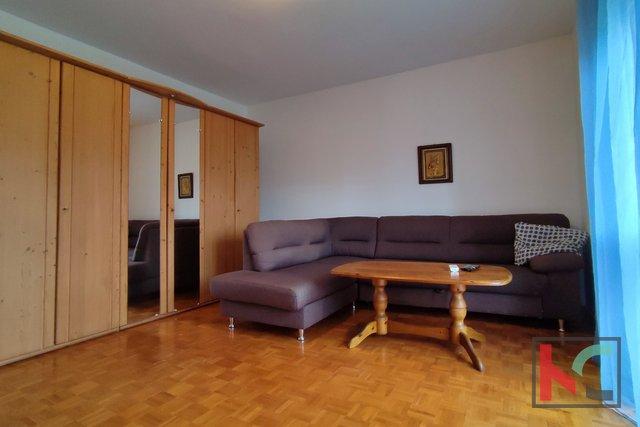 Pula, Vidikovac, dvosoban stan sa balkonom na 3. katu, lift