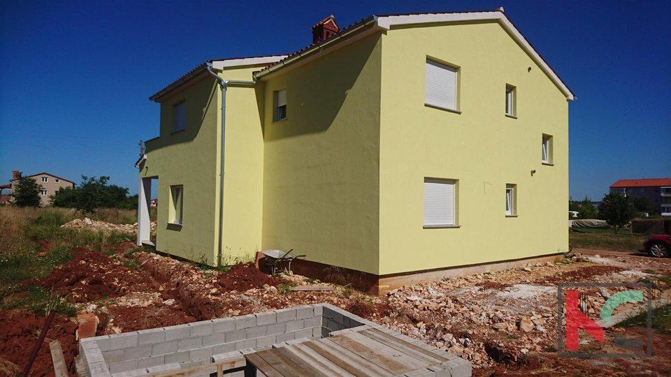 Fažana, Valbandon neues Haus 180m2 mit Pool