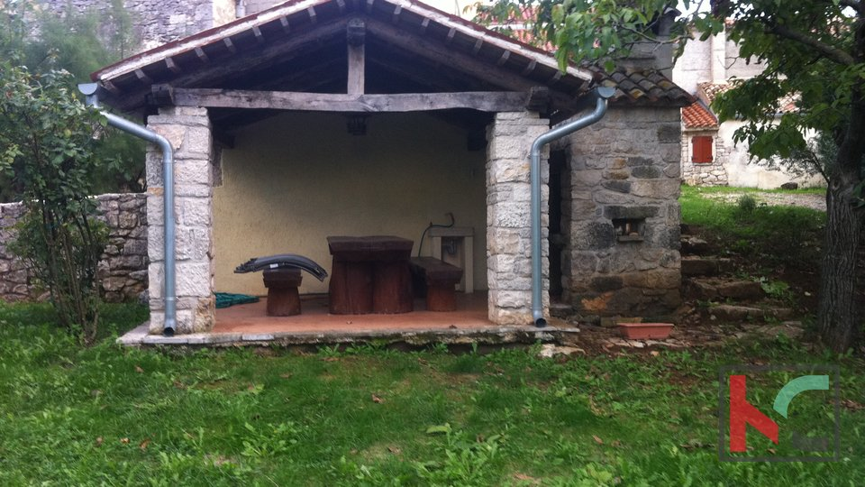 St. Catherine, stone house 180m2 with garden