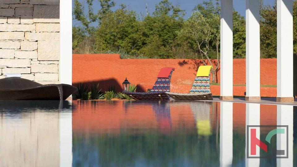 Svetvinčenat, Villa za odmor 190m2 sa bazenom okućnica 1700m2